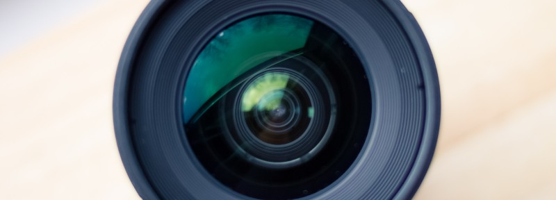 Use a fast Lens