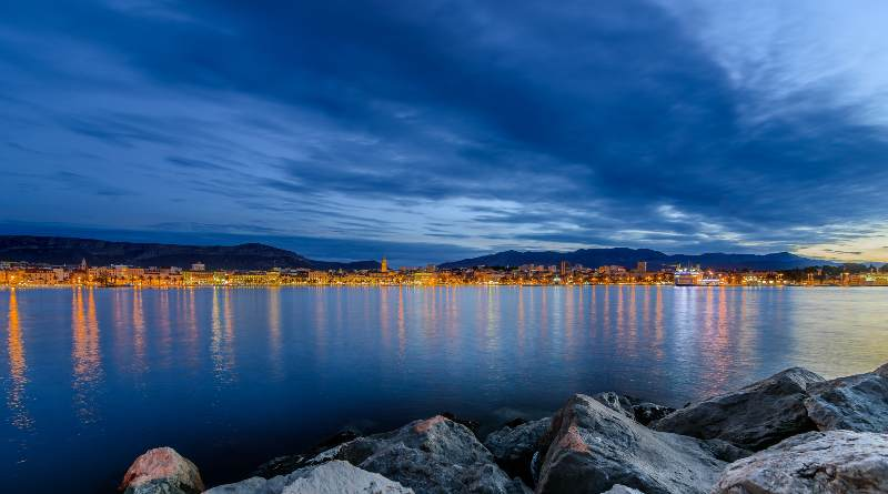 The difference between the blue hour and the golden hour